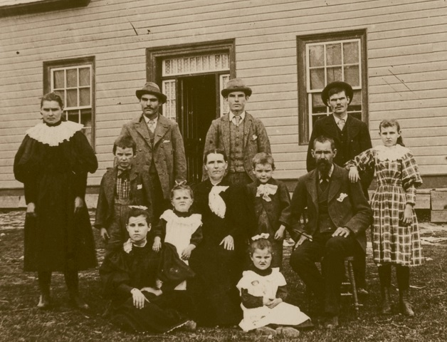 Charles-Kitts-family-Barrys-Bay-1896