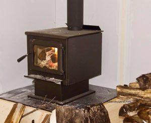 wilno-rink-wood-stove-dec-20-sharon-gardiner