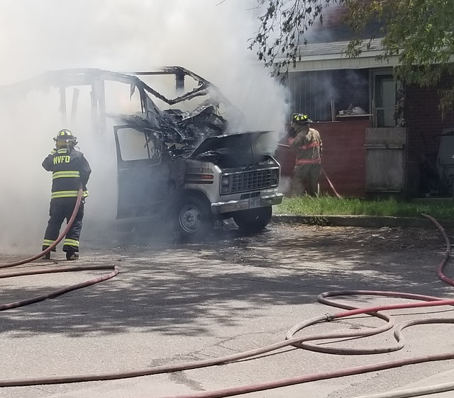 MV firefighters respond to Bay Street fire