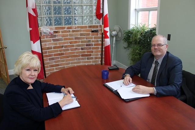 Gallant says big banks abandon rural Canada
