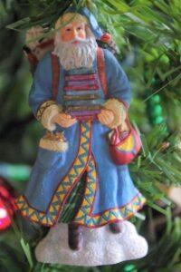 Santa-books-christmas-ornament-doreen-yakabuski