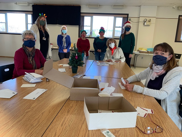Volunteers hold work bee to kick off 2020 Tree of Lights campaign