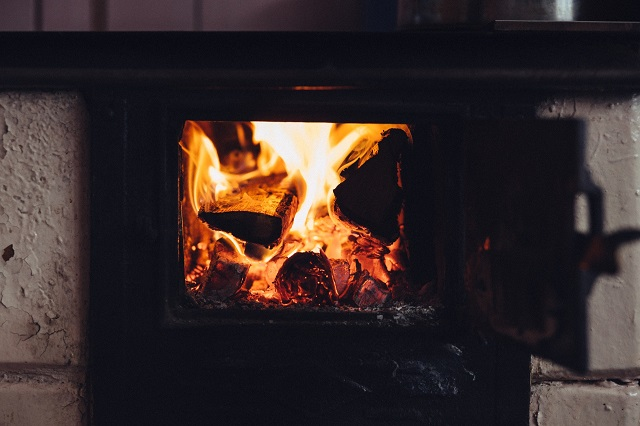Experts issue fresh health warning about wood burning stoves